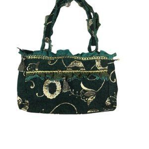 PURSE WITH LACE DESIGN HANDLE